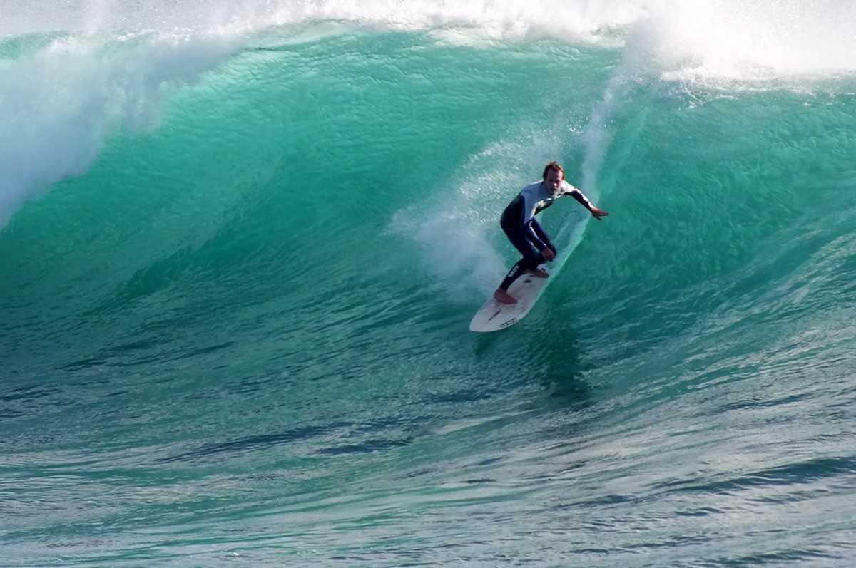 Die Surfboard Auswahl ist abhängig von Wellengröße