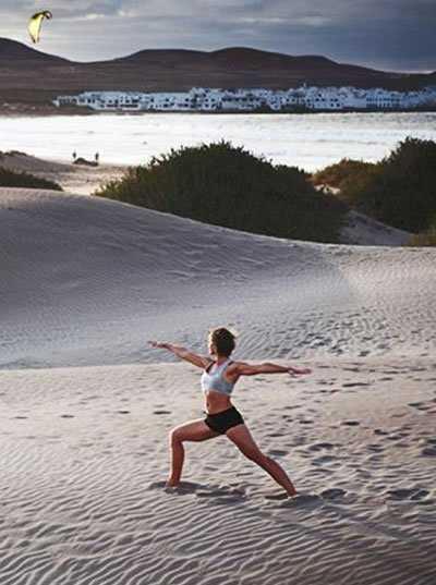 Red Star Surf & Yoga Camp |  Escuela de surf | Lanzarote