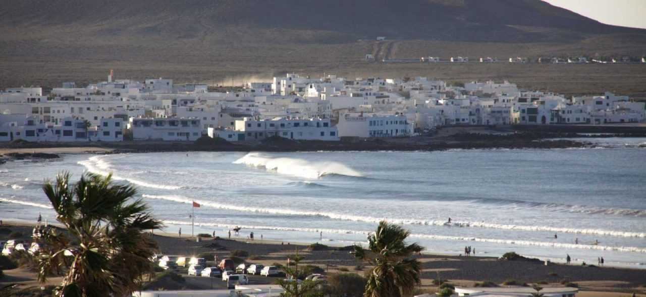 Caleta de Famara, beach break - surfing terms