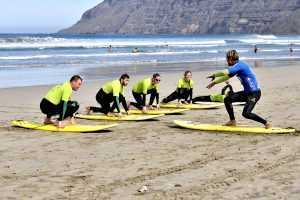 Practical surf exercises on the beach