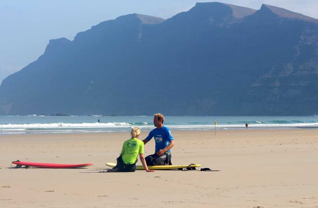 surf instructior private surf lessons