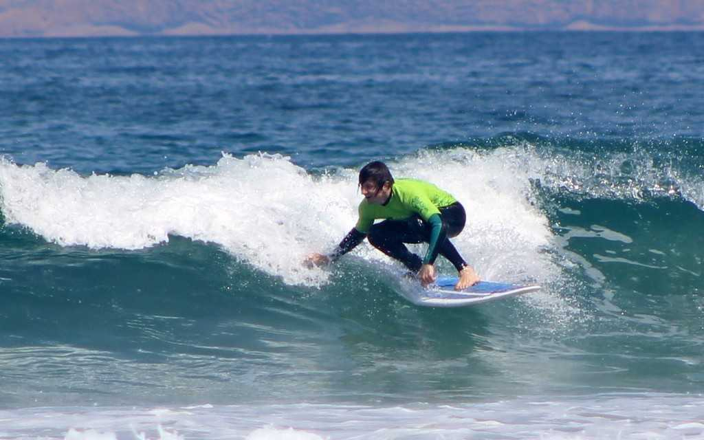 Intermediate surf lessons in Famara Lanzarote Canary Islands with redstarsurf