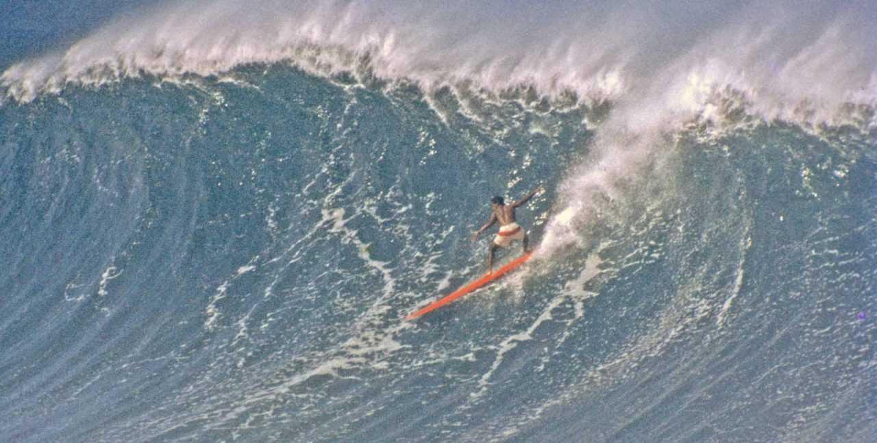 Эдди Айкау на большой волне - История серфинга