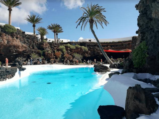 Хамеос дель агуа - это тропический сад, место для проведения мероприятий и концертный зал