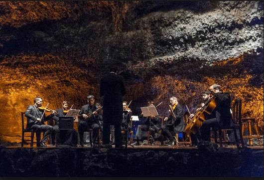 Куэва де лос вердес - это уникальная пещера, обустроенная по дизайну Сезара Манрике - Чем заняться на Лансароте