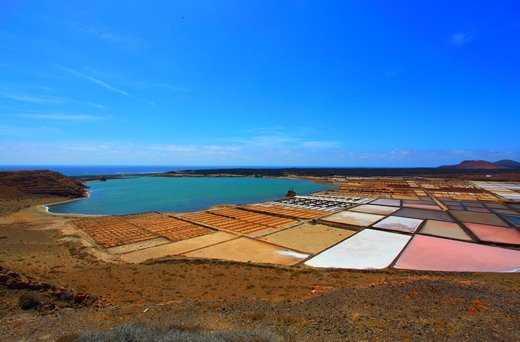 Салинас де Ханубио - зона современного производства соли на острове - Чем заняться на Лансароте