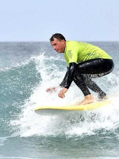 intermediate advanced surf lessons red star surf school lanzarote
