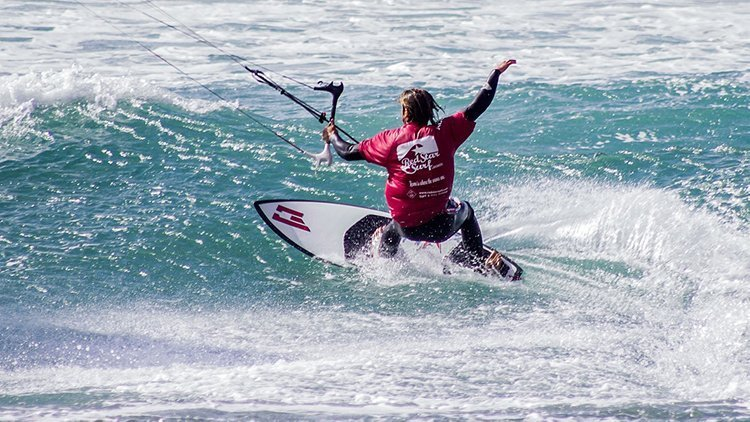 kitesurfing lessons in famara lanzarote with redstarsurf
