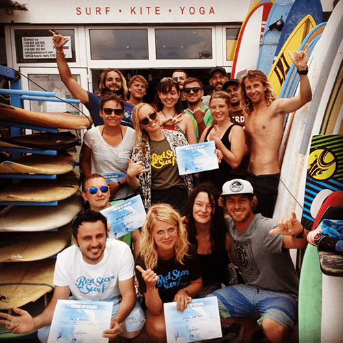 surfing certificate for beginner surf lessons on the beach for clases de surf para principiantes famara lanzarote canary islands clases de surf para principiantes surfkurse beginner surfcamp surfschule