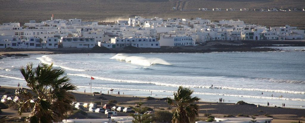 surf spot famara lanzarote beach view from the bungalows