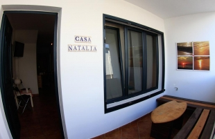surf-house-casa-natalia-entrance